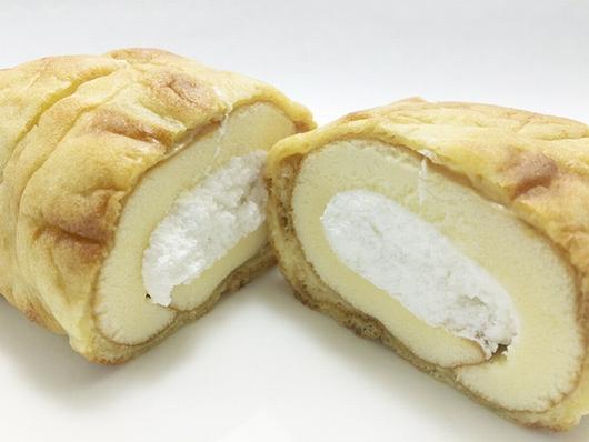 山崎製パン もち食感 シューロールケーキ 3.jpg